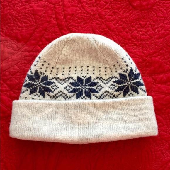 41a6be78975 L.L. Bean Other - L.L. Bean snowflake boggin hat beanie